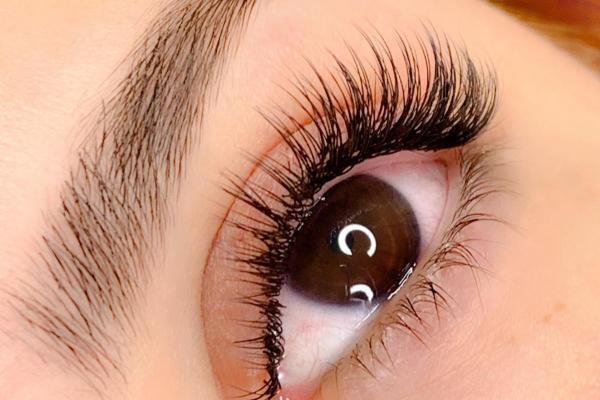 Classic eyelashes extension basic
