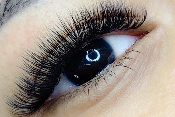 Russian volume eyelash extension masterclass